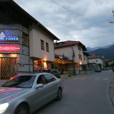 Данъчни продават луксозни имоти в Банско