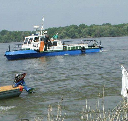 Дъщерята на убития шофьор - удавената Петя от Лом