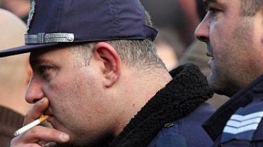 Полицаите със 100 лв. коледни бонуси, нямало повече пари