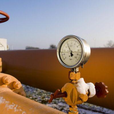 Противоречиви обяснения за спирането на газа
