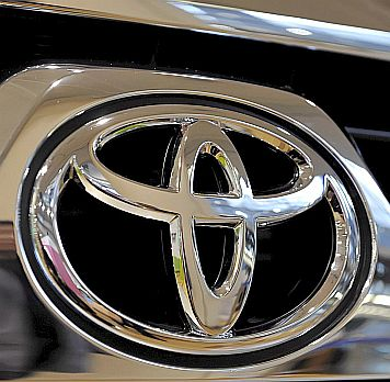 """""""Тойота"""" откри дефект в педала за газта"""