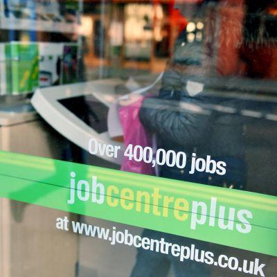 Почти 300 000 души са на разположение за работа, но не я търсят
