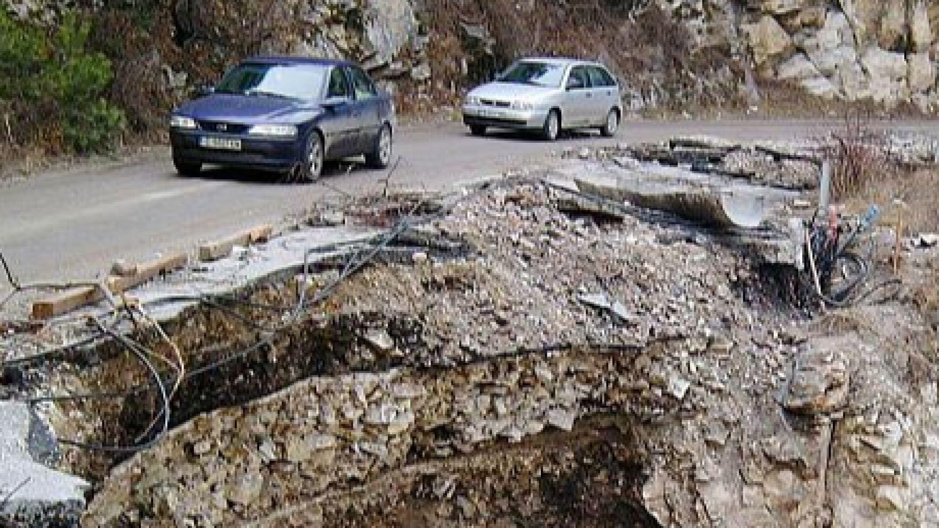 2 млн. лв. щети за пътищата от наводненията