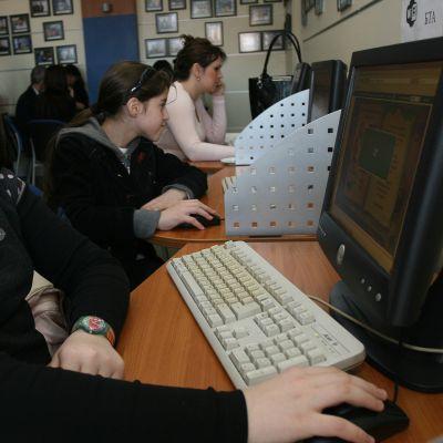 Война на македонски и български хакери в превода на Google