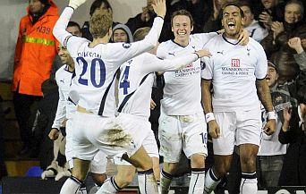Тотнъм запази интригата в Англия след като победи Челси