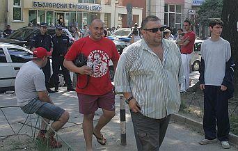 Дучето: Слагаме 20 момчета с маски в агитката на Левски да влязат на терена