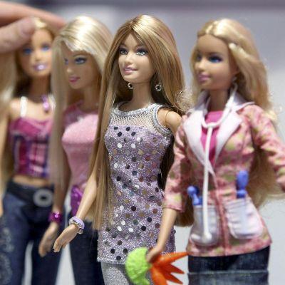 Решават съдбата на Барби и Кен във Facebook