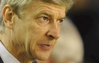 Венгер нападна ръководството на ФИФА
