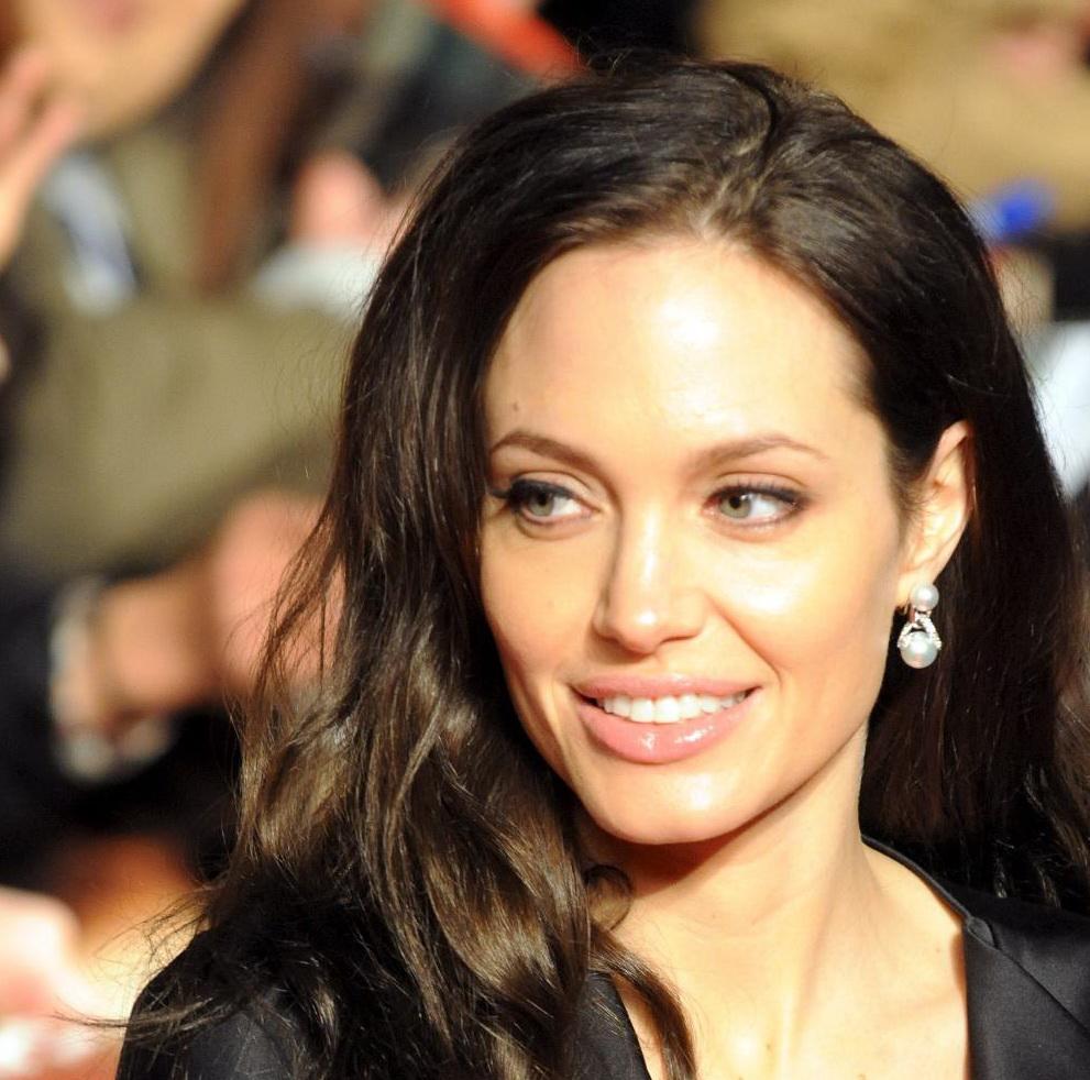 Анджелина е символ на красотата на отиващото си десетилетие