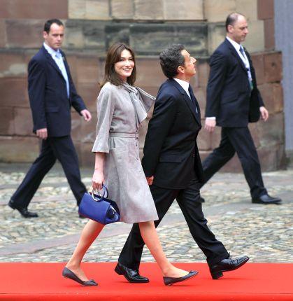 Рекламна кампания се шегува с ръста на Саркози