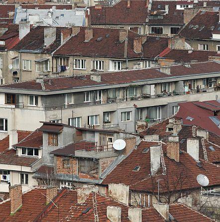 Налагат по-високи данъци за жилища и мощни коли