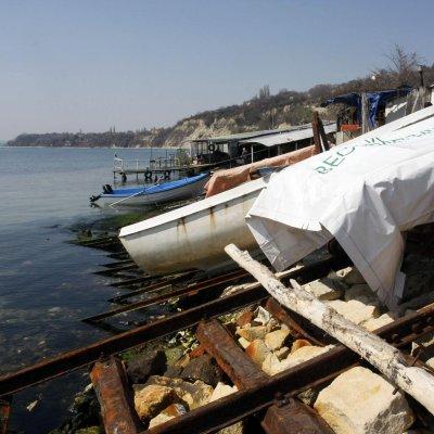Брюксел пак се готви да замрази пари за България