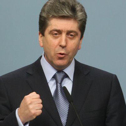Първанов няма да спира бюджета, но с резерви