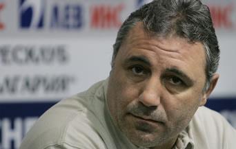 Стоичков: Моята работа е на терена, а не във вестниците