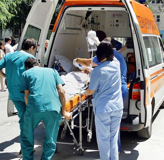 Джип изгоря след удар в ТИР - шофьорът загина