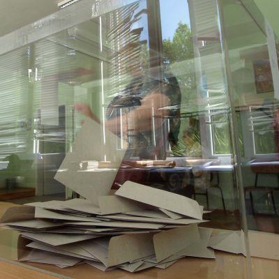 """Над 800 000 """"мъртви души"""" в избирателните списъци за референдума"""