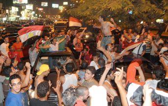 Щастливите фенове на Египет заляха Кайро