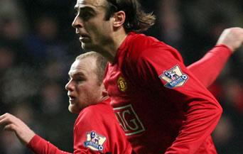 Рууни донесе победата на Юнайтед, вкарвайки четири гола