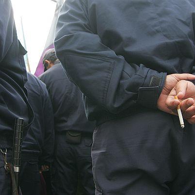 Освободиха полицаите, правили секс с непълнолетно момиче