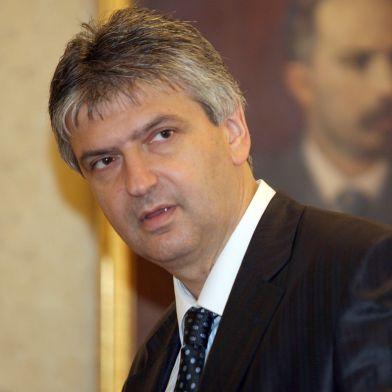 100 депутати от ГЕРБ останали без ведомствени апартаменти