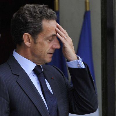 """""""Бойците от клетка 34"""" пак потърсиха Саркози"""