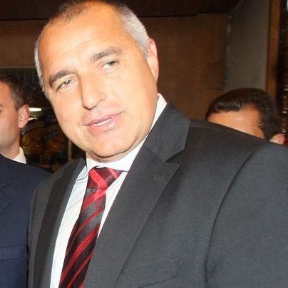 Борисов кани Станишев заради бюджета
