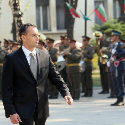 Новата власт разследва далаверите в армията