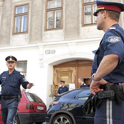 Инкасо губи торба с пари, полицай ги гони до банката