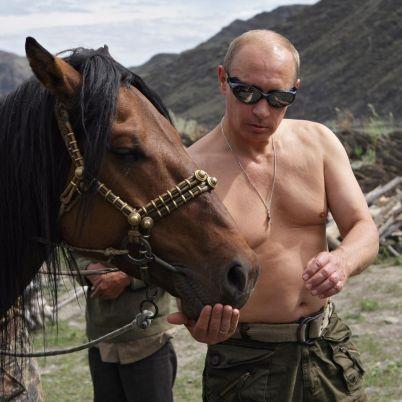 """""""Таймс"""": Путин - мускули като за още веднъж президент"""