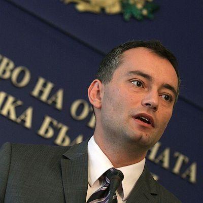 """Военният министър: Бюджетът на МО е """"продънен"""""""