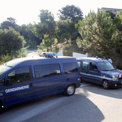 16-годишен французин уби родителите и братята си