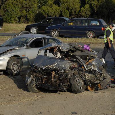 Петима загинаха на пътя, сред жертвите майка и дъщеря