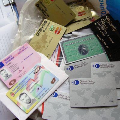 Наши банкови фалшификатори действали в Кипър