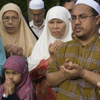 Забраниха на мюсюлмани концерт, спонсориран от бирена компания