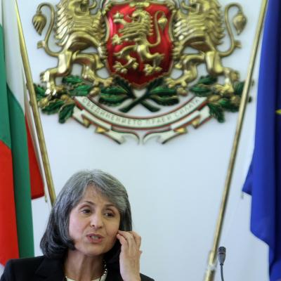 Попова иска от магистратите здрава ръка, без отрова и интриги