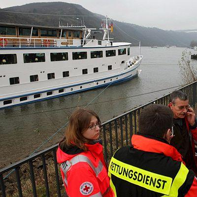 25 т мазут се изляха в Рейн след удар на 2 кораба