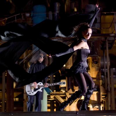 Деси Тенекеджиева проби в MTV в ролята на булката-беглец