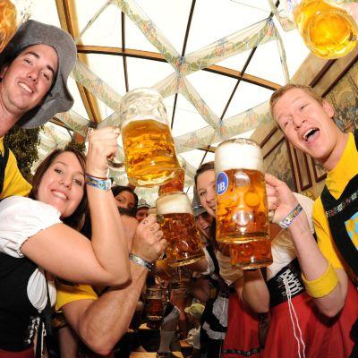 Октоберфест стартира със скъпа бира