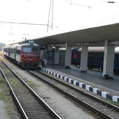 Железничари блокираха Централна гара