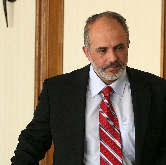 Министър: Време е работодател да влезе в затвора