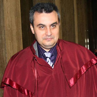 Прокурор иска ход на делата и при болен подсъдим