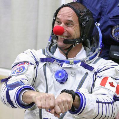 Бивш циркаджия ще води ТВ шоу от Космоса