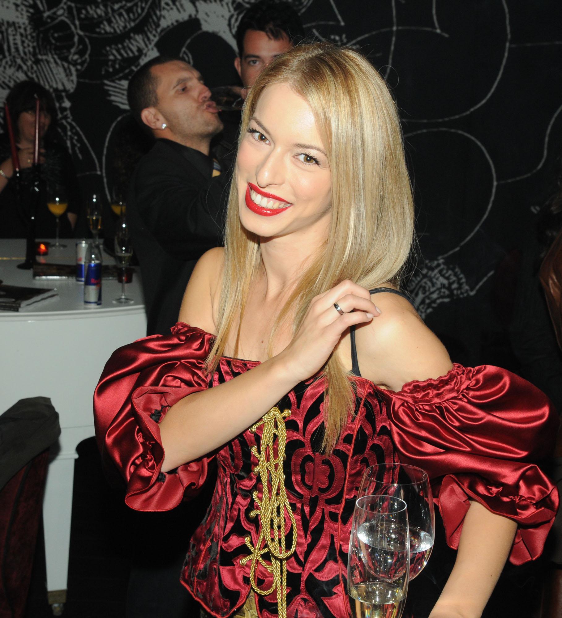 """Даниела Янков предаде """"щафетата"""" на Мая Савова"""