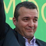 Юзеиров ще съди журналисти, показали го смешен