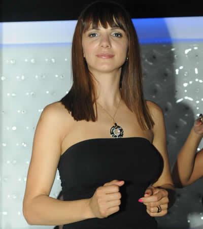 Гуркова и Маги Вълчанова се веселиха на откриването на клуб