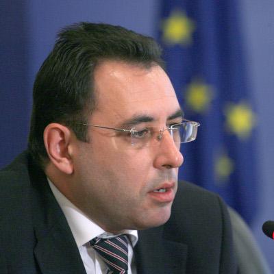 Министър: Фирмите да заведат искове срещу Гърция