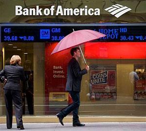 Недоволен клиент съди банка за всички пари на света