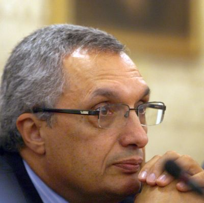 Костов призова президента да застане срещу мафията
