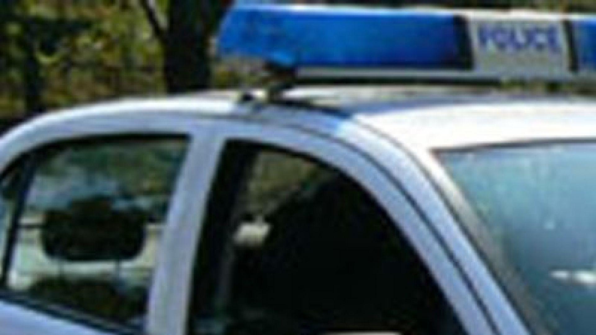 Разследват смъртта на 25-годишен мъж, открит е край р. Янтра