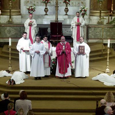 Католическата църква се извини за злоупотребите с деца